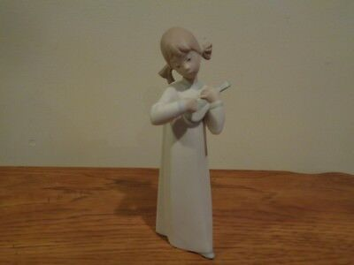 "LLADRO  Little Girl with Guitar Matte Finish 8 "" Figurine"