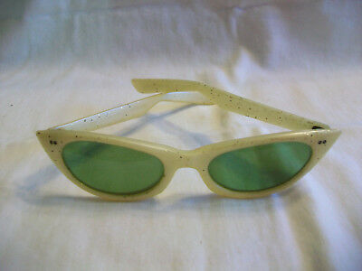 Vintage Cool Ray Cat Eyes Ladies Sunglasses by Polaroid #125