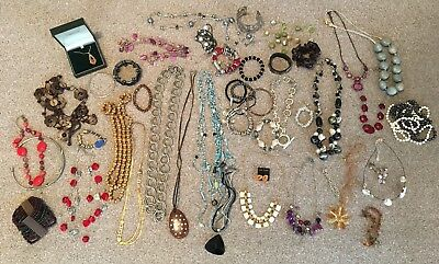 Massive Job Lot Of 50 Items Of Costume Jewellery Bangle Necklace Beads Bracelet