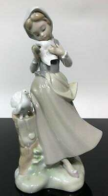 LLADRO Spain Glazed Girl With Doves Pigeons Birds Glazed Statue Figurine 4915