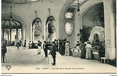 CPA-Carte postale- FRANCE - Vichy - Le Hall de la Source des Célestines - 1913