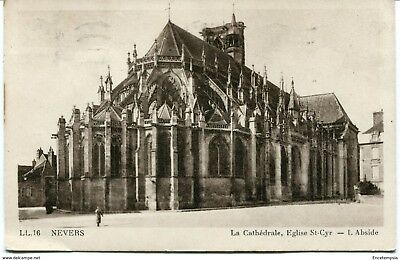 CPA-Carte postale- France- Nevers - La Cathédrale, Eglise Saint Cyr - 1943