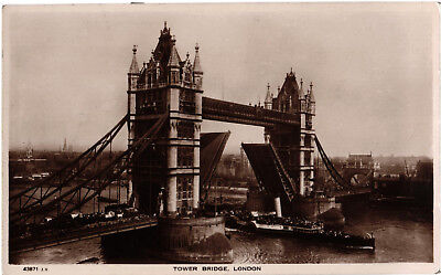 Paddle Steamer going through Tower Bridge, RP postcard dated 1929, unposted