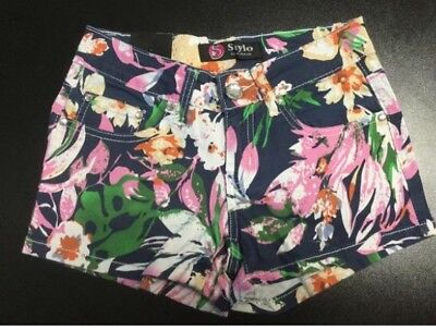 Floral shorts.  Navy Blue Or Nude. Lot Of 32.