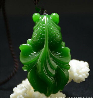 Natural Green jade 鱼 pendant Necklace Amulet Lucky fish