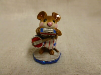 Wee Forest Folk One Man Band Fourth of July Special M-196a Retired White