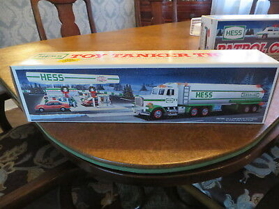 1990 HESS GASOLINE TOY TANKER TRUCK with Lights & Dual Sound Operation