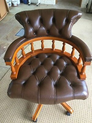 Reproduction Captain's swivel chair