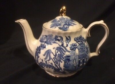 Vtg Sadler England Blue Willow Teapot Chinese Oriental Signed JT45 R1