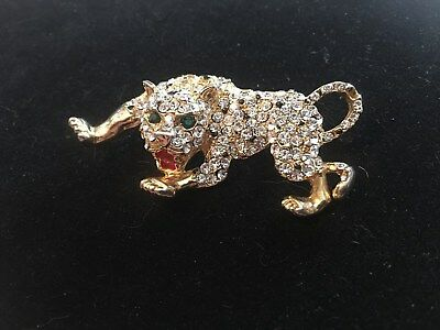 Vintage Gold Tone Leopard Rhinestone Brooch/Pin with Green Eyes