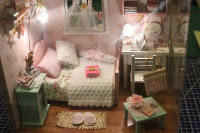 Dollhouse Miniature Bedroom with lights