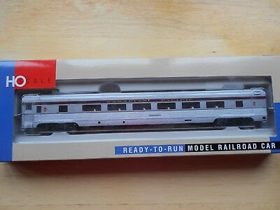 WALTHERS 85/' BUDD 52-SEAT COACH HO GAUGE AMTRAK PHASE I PLASTIC MODEL NIB