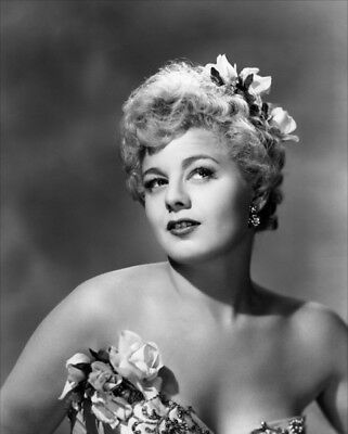 Shelley Winters UNSIGNED photograph - L6252 - Beautiful American actress