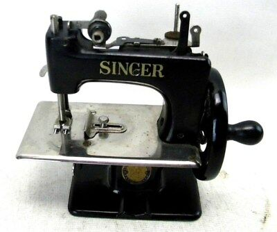 ANTIQUE MINIATURE SINGER Sewing Machine Cast Iron Hand Crank Toy Custom Miniature Singer Sewing Machine