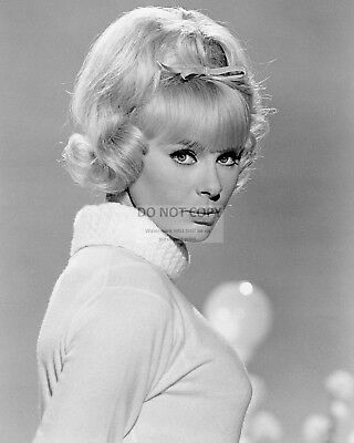 Actress Elke Sommer - 8X10 Publicity Photo (Cc287)