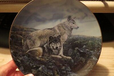 """Beautiful Bradford Exchange Collector  """"above Timberline"""" Wolf Plate # 6149 A"""