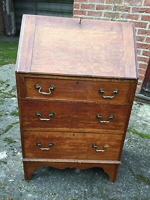 Antique wooden writing desk bureau with 3 drawers