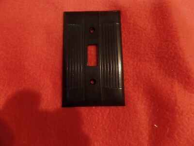 Vintage EagleTuxedo Ribbed Brown Bakelite 1 Gang Switch Plate Cover Deco