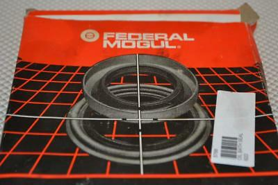 One New National Federal-Modul Oil Seal 370026A.