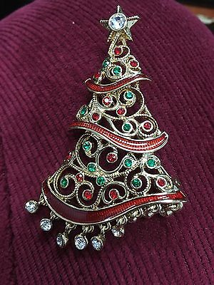 Avon 2016 Avon Holiday Collectible Pin New In Box $30.00