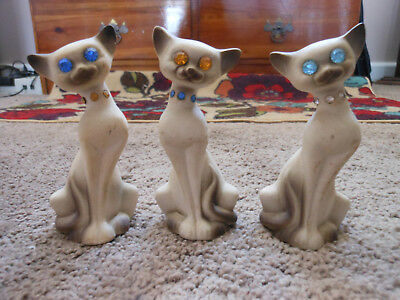 3 Vintage Sitting Siamese Cat Figurines With Jeweled Eyes And Collars, Cute!
