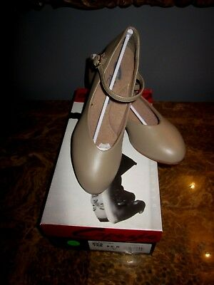 """Capezio Character Shoe Tan #550 Size 5.5N 1.5""""Heel New with Box"""