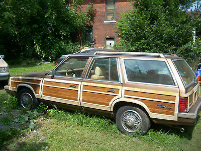 1988 Chrysler Town & Country  tation Wagon