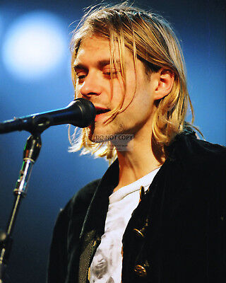 Kurt Cobain Singer Songwriter Musician Nirvana - 8X10 Publicity Photo (Cc359)