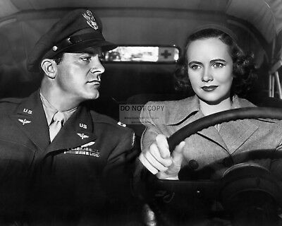 """Dana Andrews & Teresa Wright In """"the Best Years Of Our Lives"""" 8X10 Photo (Cc372)"""