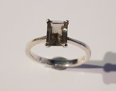 BEAUTIFUL sterling silver & clear stone solitaire ring. Metal detecting find