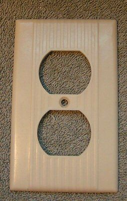 Vintage  Deco Ribbed IVORY Bakelite outlet Switch Plate Cover  Leviton 1 GANG