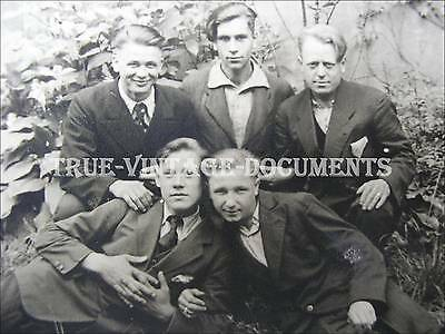 ORIG.VINTAGE 1945 PHOTO PC*GAY INT*HANDSOME YOUNG RUSSIANs IN GERMANY*NAMES BACK