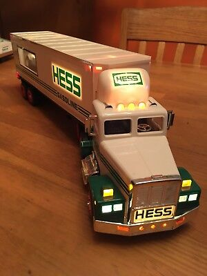 1992 Hess Toy transport car hauler Truck 18-Wheeler Racer-Porsche (no box)