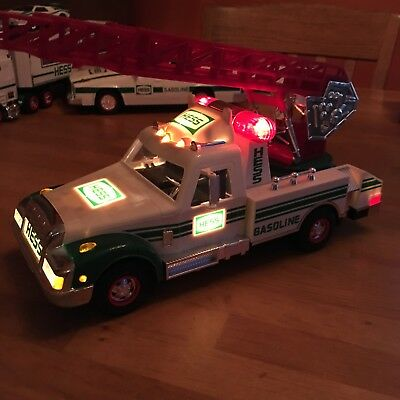 1994 Hess Rescue Ladder Truck Lights and Sounds in working condition