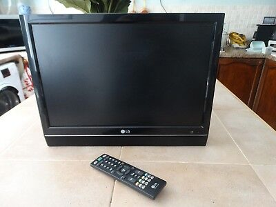 LG 19 inch Flat Screen TV Black VGC, Model 19LS4D-ZD, Remote and Power Lead