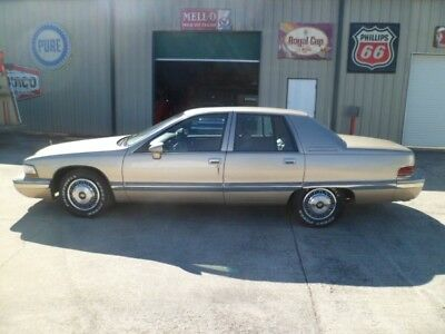1994 Buick Roadmaster -- 1994 Buick Roadmaster 112,883 Miles 5.7 Liter LT1 Automatic Good Car LOOK