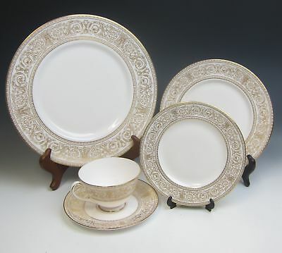 Royal Doulton China SOVERIGN-GOLD RIM 5pc Place Setting(s) EXCELLENT