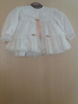 Girls Formal Christening Dress 0-3 months White lace and floral design