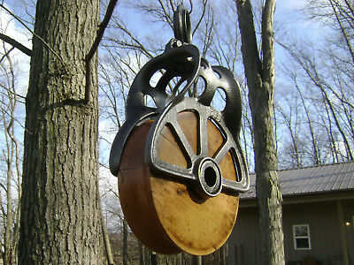 Antique / Vintage Cast Iron Barn Pulley Old Farm Tool Rustic Primitive