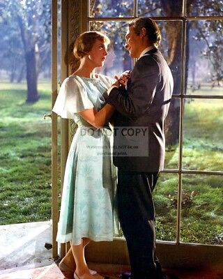 """Julie Andrews And Christopher Plummer In """"The Sound Of Music"""" 8X10 Photo (Cc416)"""