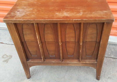 *****Mid Century Modern end table Nightstand*****