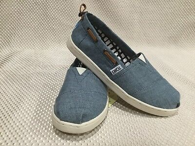 86653ff6a862 Toms Youth Size 12.5 Bimini Chambray Blue Casual Shoes! Super Cute Loafers!