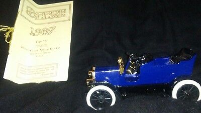 "Deere-Clark Motor Car 1907 ""Type B"" replica car blue/black by John Deere, New!"