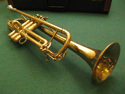 Elkhart Band Instrumet Co. Trumpet, Underslung 3rd Slide with Case and Bach MP