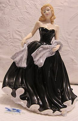"ROYAL DOULTON ""SPECIAL WISHES"" PRETTY LADIES Gown Retired Figurine HN4749 MINT"