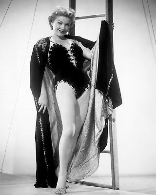 "Anne Baxter In The 1954 Film ""carnival Story"" - 8X10 Publicity Photo (Cc465)"