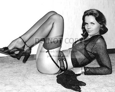 Actress Lee Remick Pin Up - 8X10 Publicity Photo (Cc494)