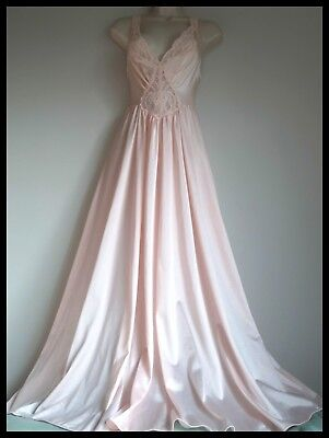 Beautiful OLGA Pink NIGHTGOWN ~Vintage GOWN~ Full SWEEP ~Lace Top M/L ~92150 USA