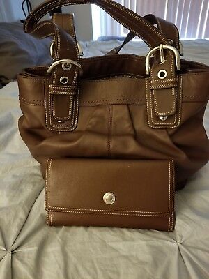 MINT CONDITION COACH Brown Leather Hobo Style Purse with Matching Wallet!!!!