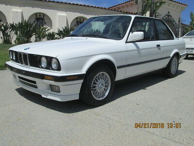 1991 BMW 3-Series  1991 BMW e30 5 speed 318IS Clean Title Runs Excellent Must See